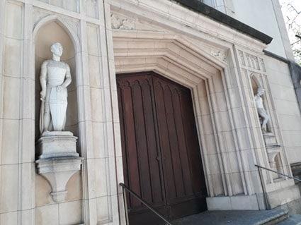 Uma igreja, dois santos e muita história