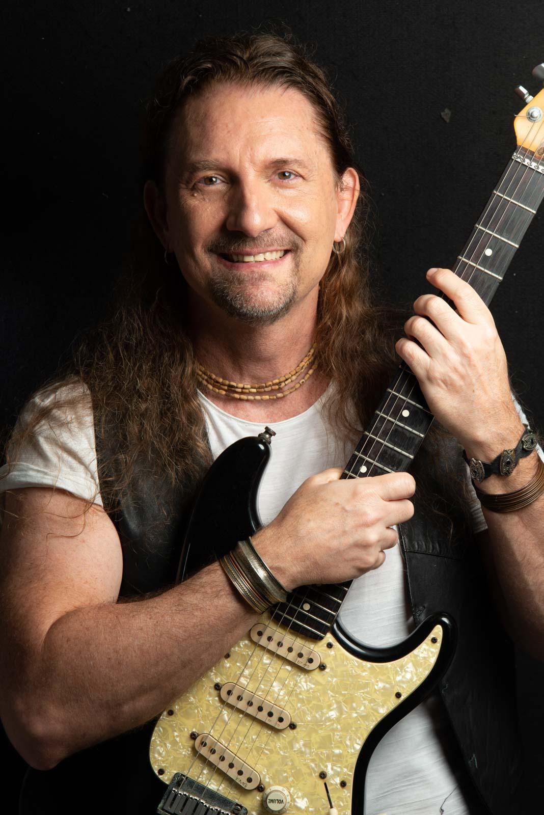 A guitarra de Fabio Rizental diretamente do Audio Rebel